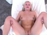 Lascivious maid Dakota James enjoys deep cherry bang