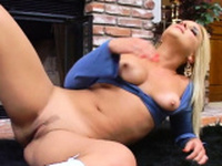 Dishy Veronica Raquel who likes to suck dangler even