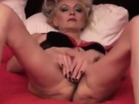 Fingering Old Pussy
