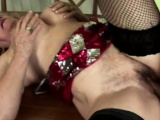 Gilf gets down and dirty as she sucks