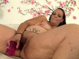 Fat Savannah Star Masturbates with Toys