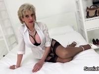 Unfaithful british mature gill ellis presents her hea52KAs