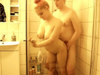 Sex in the shower with busty blonde met online