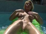 Niki Lee Poses Nude in the Pool
