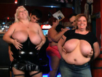 Huge boobs bbw party in the bar