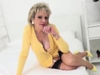 Unfaithful british milf lady sonia flashes her gigant81qNr