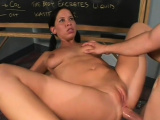 Kinky woman Kim adores playing with her clit