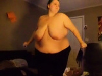Fat girl playing just dance - CassianoBR