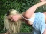 Blonde deutsche Mdchen genagelt im Freien
