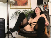 British glamour milf pussylicked before sex