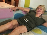 Chubby cougar fucked and jizzed on pussy