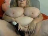 Amateur blonde granny show us her huge natural tits on webca
