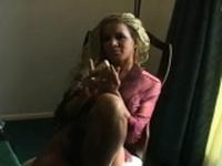 Glamor cutie is gently rubbing her fanny
