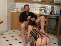 Sexy butt babe rides