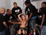 Hot babe gets bukkaked