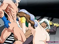 Two hentai babes sucks and gets fucked in threesome