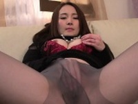 Japanese playgirl fascinates with passionate wang sucking