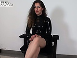 Latex loving Austrian amateur loves the feeling
