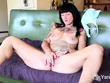 Monte Cooper spreads her tight legs and sends her hands