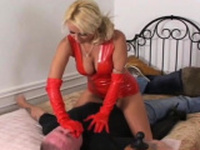Sinful honey seems to be a slut with such a blowjob