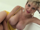 Adulterous english milf lady sonia reveals her huge tits